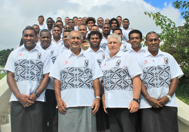 Vodafone Fiji Bati take a group shot with HE, the President, Ratu Epeli Nailatikau